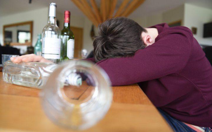 лечить алкоголика в Сосновом Бору